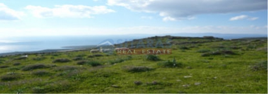 Land of 5.201 m2 with a building permission for a villa