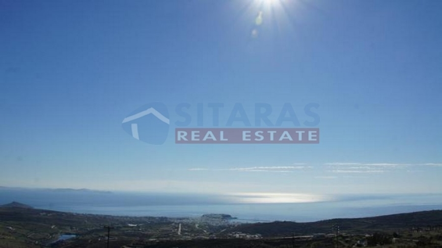 Parcel of 8.060sqm at a prime location, 2km from the harbor